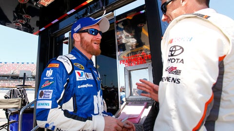 Dale Earnhardt Jr.'s concussion affected him