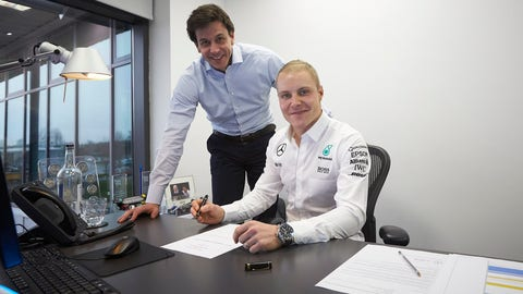 Valtteri Bottas seen signing for his new ride at the Mercedes F1 team. (Photo: Mercedes)