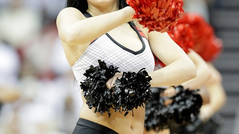 Louisville cheerleader