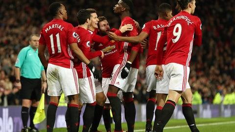 Manchester United: Get Jose Mourinho another defender