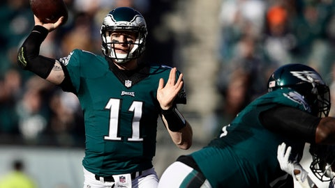 Philadelphia Eagles' Carson Wentz passes during the first half of an NFL football game against the Dallas Cowboys, Sunday, Jan. 1, 2017, in Philadelphia. (AP Photo/Matt Rourke)