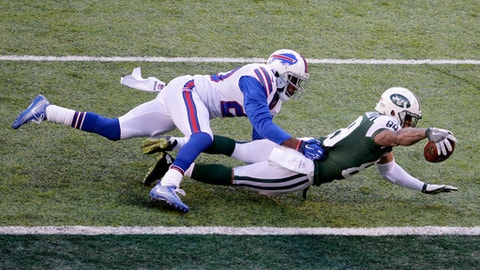 New York Jets wide receiver Jalin Marshall, right, dives in for a touchdown as Buffalo Bills free safety Corey Graham defends during the second half of an NFL football game, Sunday, Jan. 1, 2017, in East Rutherford, N.J. (AP Photo/Peter Morgan)