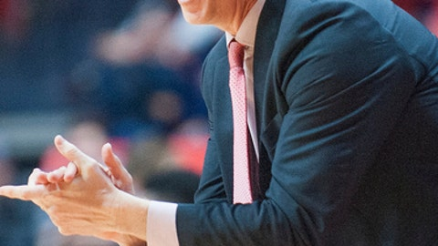 Maryland's head coach, Mark Turgeon, during their NCAA college basketball game in Champaign, Ill., Saturday, Jan. 14, 2017. (AP Photo/Robin Scholz)