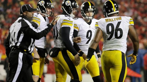 Pittsburgh Steelers kicker Chris Boswell (9) celebrates with teammates after kicking a 22-yard field goal during the first half of an NFL divisional playoff football game against the Kansas City Chiefs on Sunday, Jan. 15, 2017, in Kansas City, Mo. (AP Photo/Charlie Riedel)