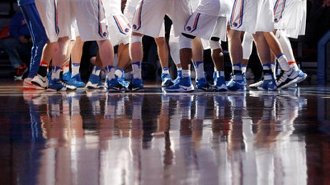 Boise State players huddle before an NCAA college basketball game against New Mexico in Boise, Idaho, Tuesday, Jan. 17, 2017. (AP Photo/Otto Kitsinger)