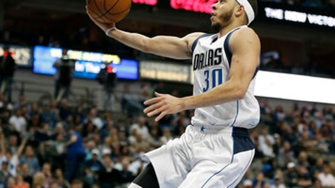 Dallas Mavericks guard Seth Curry (30) goes up for a layup during the second half of an NBA basketball game against the Cleveland Cavaliers, Monday, Jan. 30, 2017, in Dallas. Dallas won 104-97. (AP Photo/Brandon Wade)
