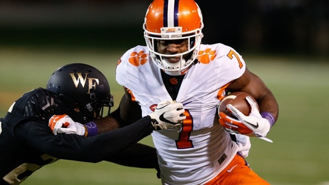 Nov 19, 2016; Winston-Salem, NC, USA; Clemson Tigers wide receiver Mike Williams (7) runs after a catch in the first quarter against the Wake Forest Demon Deacons at BB&T Field. Mandatory Credit: Jeremy Brevard-USA TODAY Sports