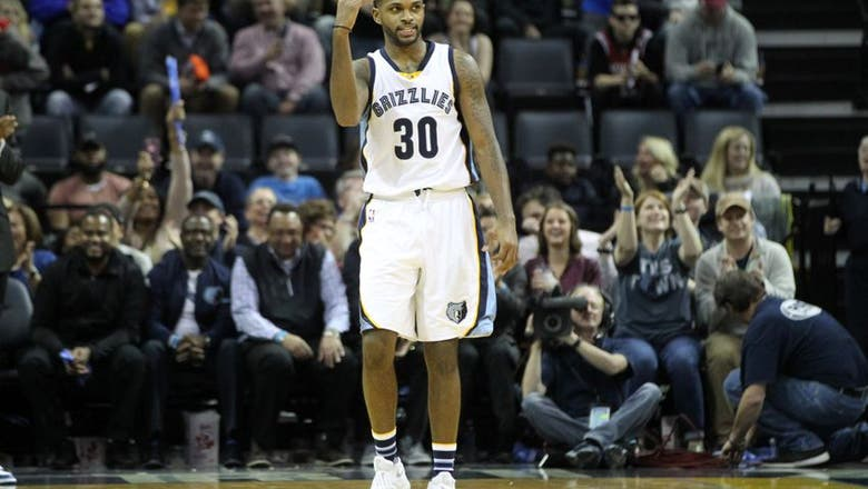 Suns acquire guard Daniels from Grizzlies