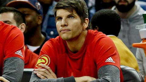 Jan 5, 2017; New Orleans, LA, USA; Atlanta Hawks guard Kyle Korver (26) sits on the bench during the first quarter of a game against the New Orleans Pelicans at the Smoothie King Center. Mandatory Credit: Derick E. Hingle-USA TODAY Sports