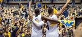 NCAA Basketball: Villanova, West Virginia destroy opponents