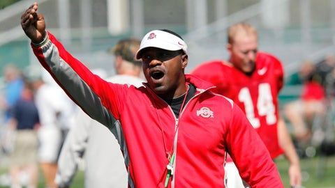 "FILE - In this Aug. 16, 2011, photo, Ohio State receivers coach Stan Drayton calls out to players during NCAA college football practice in Columbus, Ohio. As college football moves toward an early signing period for recruits, some of this year's signees learned no matter when you sign that national letter of intent, situations can change the very next day.Mike Weber, a running back from Detroit who signed with Ohio State, tweeted ""I'm hurt as hell"" after it was announced Thursday, Feb. 5, 2015, that Drayton, who had become running backs coach for the team, was leaving for the Chicago Bears. (AP Photo/Terry Gilliam, File)"