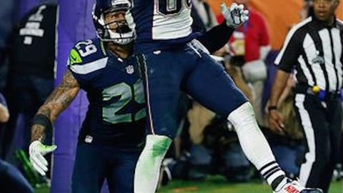 Tom Brady finds Danny Amendola for a 4-yard fourth-quarter score to close the gap to 24-21 (SB XLIX vs. Seahawks)