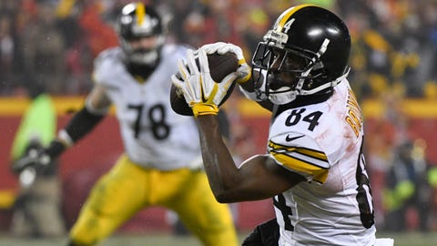 Pittsburgh Steelers wide receiver Antonio Brown (84) makes a catch against the Kansas City Chiefs during the first half of an NFL divisional playoff football game Sunday, Jan. 15, 2017, in Kansas City, Mo. (AP Photo/Ed Zurga)
