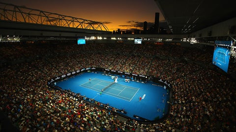MELBOURNE, AUSTRALIA - JANUARY 22:  A general view of Rod Laver court as Roger Federer of Switzerland plays in his fourth round match against Kei Nishikori of Japan on day seven of the 2017 Australian Open at Melbourne Park on January 22, 2017 in Melbourne, Australia.  (Photo by Clive Brunskill/Getty Images)