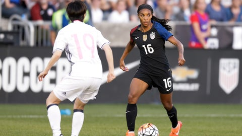 Right wing: Crystal Dunn