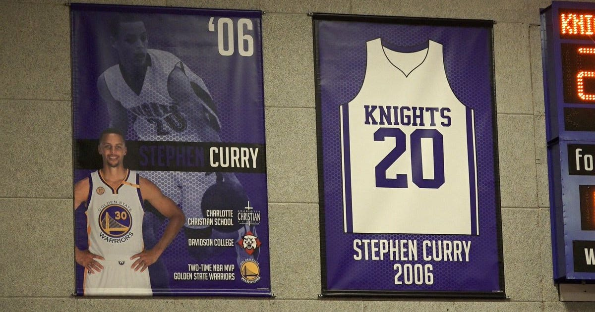 Stephen Currys High School Retires His Jersey