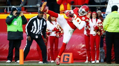 KANSAS CITY, MO - JANUARY 3: Ron Parker #38 of the Kansas City Chiefs intercepts a pass in the Oakland Raiders end zone at Arrowhead Stadium during the second quarter on January 3, 2016 in Kansas City, Missouri. (Photo by Jamie Squire/Getty Images)