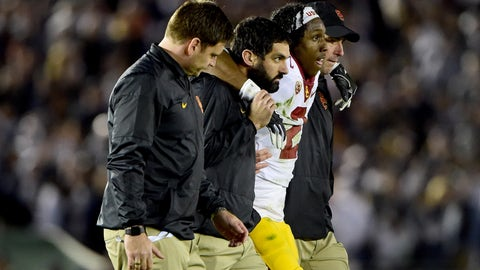 Adoree Jackson helped off field with injury