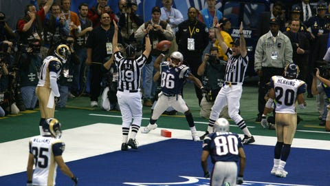 Tom Brady hits David Patten for an 8-yard TD pass and a 14-3 lead  (SB XXXVI vs. Rams)