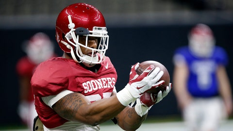 Oklahoma running back Joe Mixon (25) practices in New Orleans, Thursday, Dec. 29, 2016, for the Sugar Bowl NCAA college football game, which will be played Jan. 2, 2017 against Auburn. (AP Photo/Gerald Herbert)