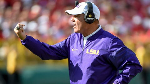 Sep 3, 2016; Green Bay, WI, USA;  LSU Tigers head coach Les Miles calls a play in the 2nd quarter during game against the Wisconsin Badgers at Lambeau Field. Mandatory Credit: Benny Sieu-USA TODAY Sports