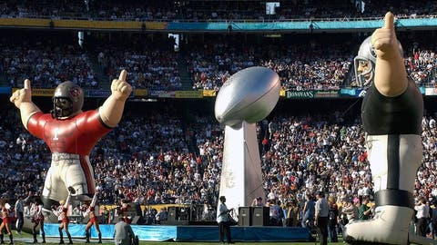 Super Bowl XXXVII (San Diego): Buccaneers 48, Raiders 21