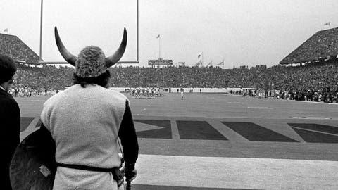 Super Bowl VII (Houston): Dolphins 24, Vikings 7