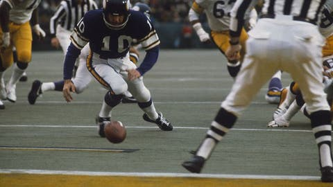 Super Bowl IX (New Orleans): Steelers 16, Vikings 6