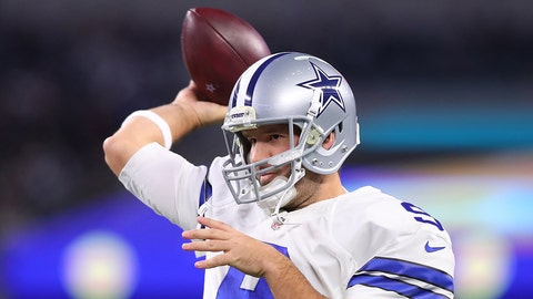 ARLINGTON, TX - DECEMBER 18:  Tony Romo #9 of the Dallas Cowboys warms up on the field prior to the game against the Tampa Bay Buccaneers at AT&T Stadium on December 18, 2016 in Arlington, Texas. (Photo by Tom Pennington/Getty Images)