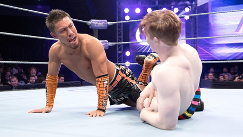 Six-man ladder match for the WWE Cruiserweight championship