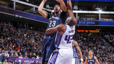 SACRAMENTO, CA - FEBRUARY 12: Anthony Davis #23 of the New Orleans Pelicans shoots the ball against the Sacramento Kings during the game on February 12, 2017 at Golden 1 Center in Sacramento, California. NOTE TO USER: User expressly acknowledges and agrees that, by downloading and or using this Photograph, user is consenting to the terms and conditions of the Getty Images License Agreement. Mandatory Copyright Notice: Copyright 2017 NBAE (Photo by Rocky Widner/NBAE via Getty Images)
