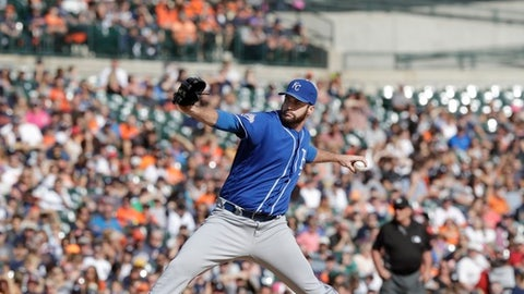 Kansas City Royals relief pitcher Brian Flynn throws during the sixth inning of a baseball game against the Detroit Tigers, Sunday, Sept. 25, 2016, in Detroit. (AP Photo/Carlos Osorio)