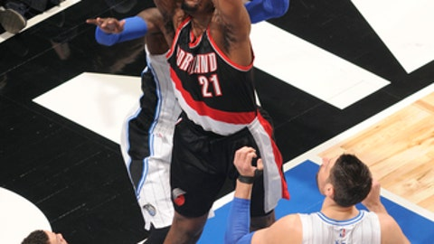 ORLANDO, FL - FEBRUARY 23: Noah Vonleh #21 of the Portland Trail Blazers goes for a dunk during the game against the Orlando Magic on February 23, 2017 at Amway Center in Orlando, Florida Or. NOTE TO USER: User expressly acknowledges and agrees that, by downloading and or using this Photograph, user is consenting to the terms and conditions of the Getty Images License Agreement. Mandatory Copyright Notice: Copyright 2017 NBAE (Photo by Fernando Medina/NBAE via Getty Images)