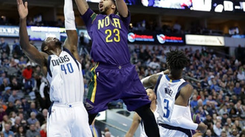 DALLAS, TX - FEBRUARY 25:  Anthony Davis #23 of the New Orleans Pelicans takes a shot against Harrison Barnes #40 of the Dallas Mavericks at American Airlines Center on February 25, 2017 in Dallas, Texas.  NOTE TO USER: User expressly acknowledges and agrees that, by downloading and/or using this photograph, user is consenting to the terms and conditions of the Getty Images License Agreement.  (Photo by Ronald Martinez/Getty Images)