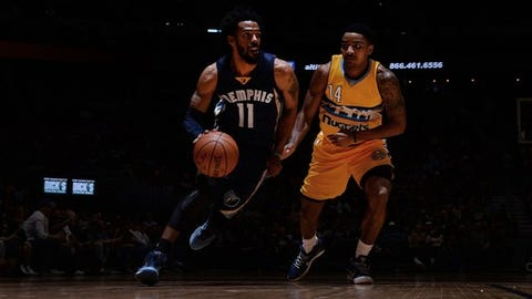 DENVER, CO - FEBRUARY 26: Mike Conley #11 of the Memphis Grizzlies handles the ball against the Denver Nuggets on February 26, 2017 at the Pepsi Center in Denver, Colorado. NOTE TO USER: User expressly acknowledges and agrees that, by downloading and/or using this Photograph, user is consenting to the terms and conditions of the Getty Images License Agreement. Mandatory Copyright Notice: Copyright 2017 NBAE (Photo by Bart Young/NBAE via Getty Images)