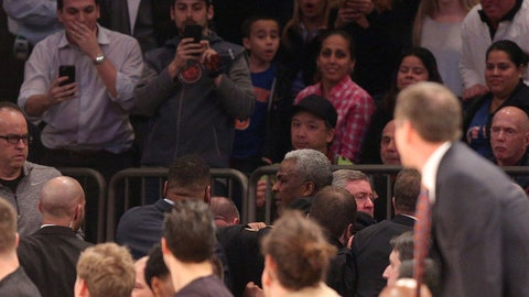 Shannon: Charles Oakley feels slighted by the Knicks