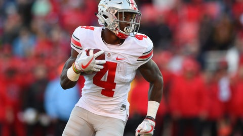 Nov 12, 2016; College Park, MD, USA;  Ohio State Buckeyes running back Curtis Samuel (4) runs during the first quarter against the Maryland Terrapins at Capital One Field at Maryland Stadium. Mandatory Credit: Tommy Gilligan-USA TODAY Sports