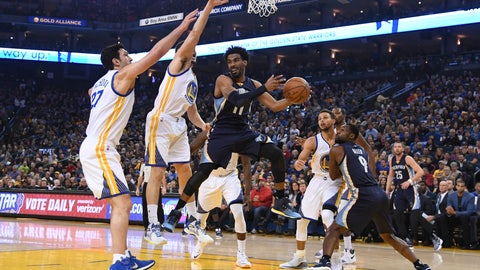 January 6, 2017; Oakland, CA, USA; Memphis Grizzlies guard Mike Conley (11) passes the basketball against the Golden State Warriors during the first quarter at Oracle Arena. Mandatory Credit: Kyle Terada-USA TODAY Sports
