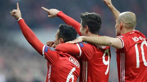 Bayern Munich, +275