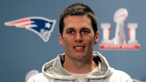 El quarterback Tom Brady de los Patriots de Nueva Inglaterra en una rueda de prensa por el Super Bowl, el viernes 2 de febrero de 2017, en Houston. (AP Foto/Charlie Riedel)