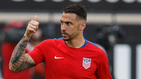 25 May 2016 -  USA defender Geoff Cameron (#20) gestures to fans during the international friendly soccer match between the USA and Ecuador at Toyota Stadium in Frisco, Texas.  The USA won 1-0.  (Photo by Matthew Visinsky/Icon Sportswire)  (Icon Sportswire via AP Images)