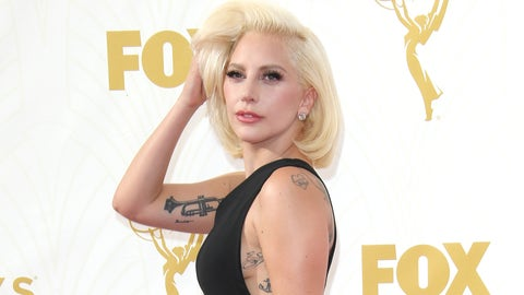 Lady Gaga has a wardrobe malfunction -- must expose intimate body part (+1300)