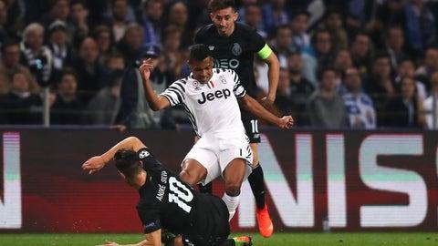 Alex Sandro is the complete fullback