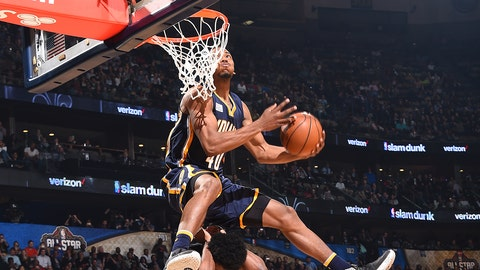 NEW ORLEANS, LA - FEBRUARY 18:  Glenn Robinson III #40 of the Indiana Pacers dunks the ball during the Verizon Slam Dunk Contest during State Farm All-Star Saturday Night as part of the 2017 NBA All-Star Weekend on February 18, 2017 at the Smoothie King Center in New Orleans, Louisiana. NOTE TO USER: User expressly acknowledges and agrees that, by downloading and/or using this photograph, user is consenting to the terms and conditions of the Getty Images License Agreement.  Mandatory Copyright Notice: Copyright 2017 NBAE (Photo by Andrew D. Bernstein/NBAE via Getty Images)