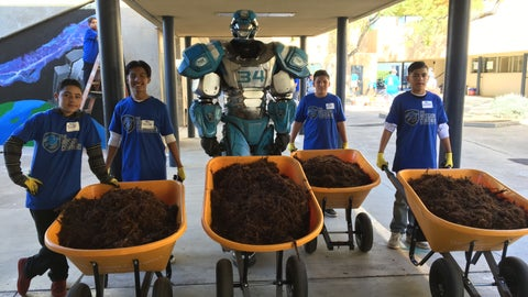 Gallery: The Mission Continues Service Project