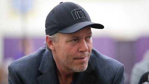 Los Angeles Lakers part-owner Jim Buss attends a news conference held to introduce the team's new draft picks, Monday, June 29, 2015, in El Segundo, Calif.  (AP Photo/Jae C. Hong)