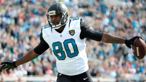 JACKSONVILLE, FL - OCTOBER 18:  Julius Thomas #80 of the Jacksonville Jaguars celebrates a touchdown following an interception during the game against the Houston Texans at EverBank Field on October 18, 2015 in Jacksonville, Florida.  (Photo by Sam Greenwood/Getty Images)