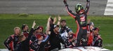 Kurt Busch surges late to win thrilling Daytona 500
