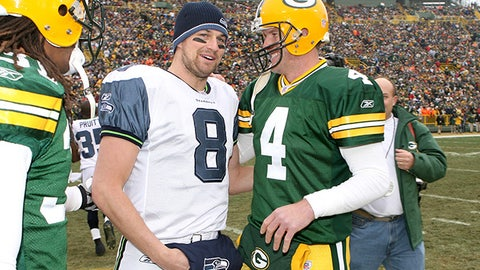 Seattle Seahawks quarterback Matt Hasselbeck and Green Bay quarterback Brett Farve chat during the coin toss of their January 1, 2006 season ending finale at Lambeau Field in Green Bay, Wisconsin.