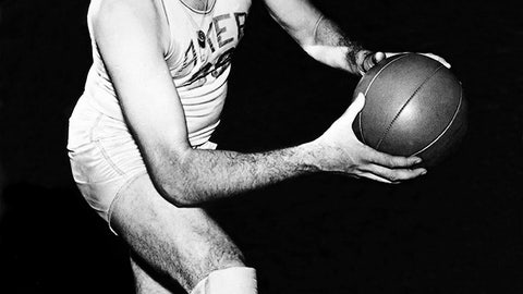 George Mikan takes the NBA by storm